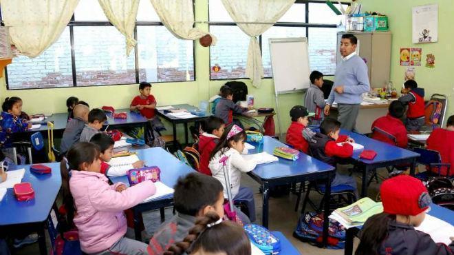 Las clases podrán extenderse hasta el 15 de enero, afirma el Ministro de Educación
