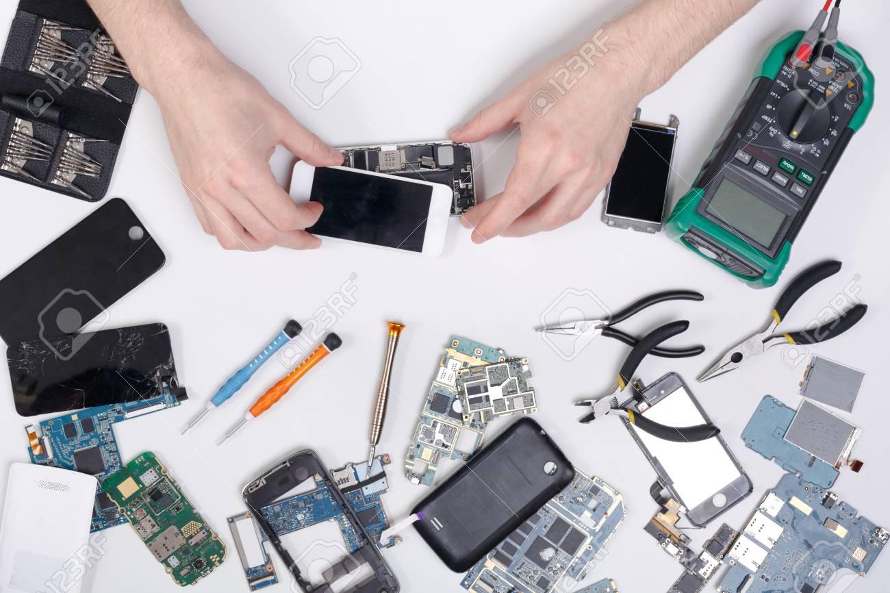 reparar-o-modificar-cualquier-dispositivo-electronico-podria-ser-ilegal-en-mexico