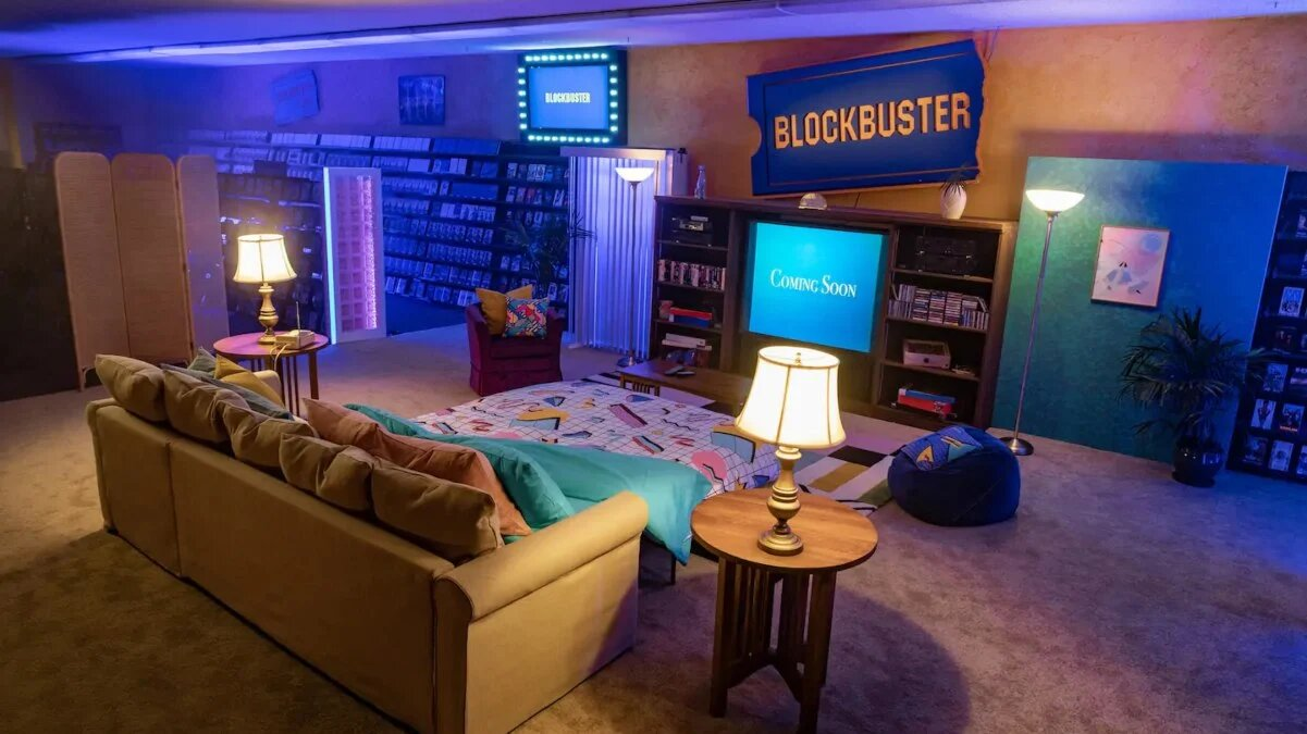 Pijamada-en-el-ultimo-Blockbuster-del-mundo
