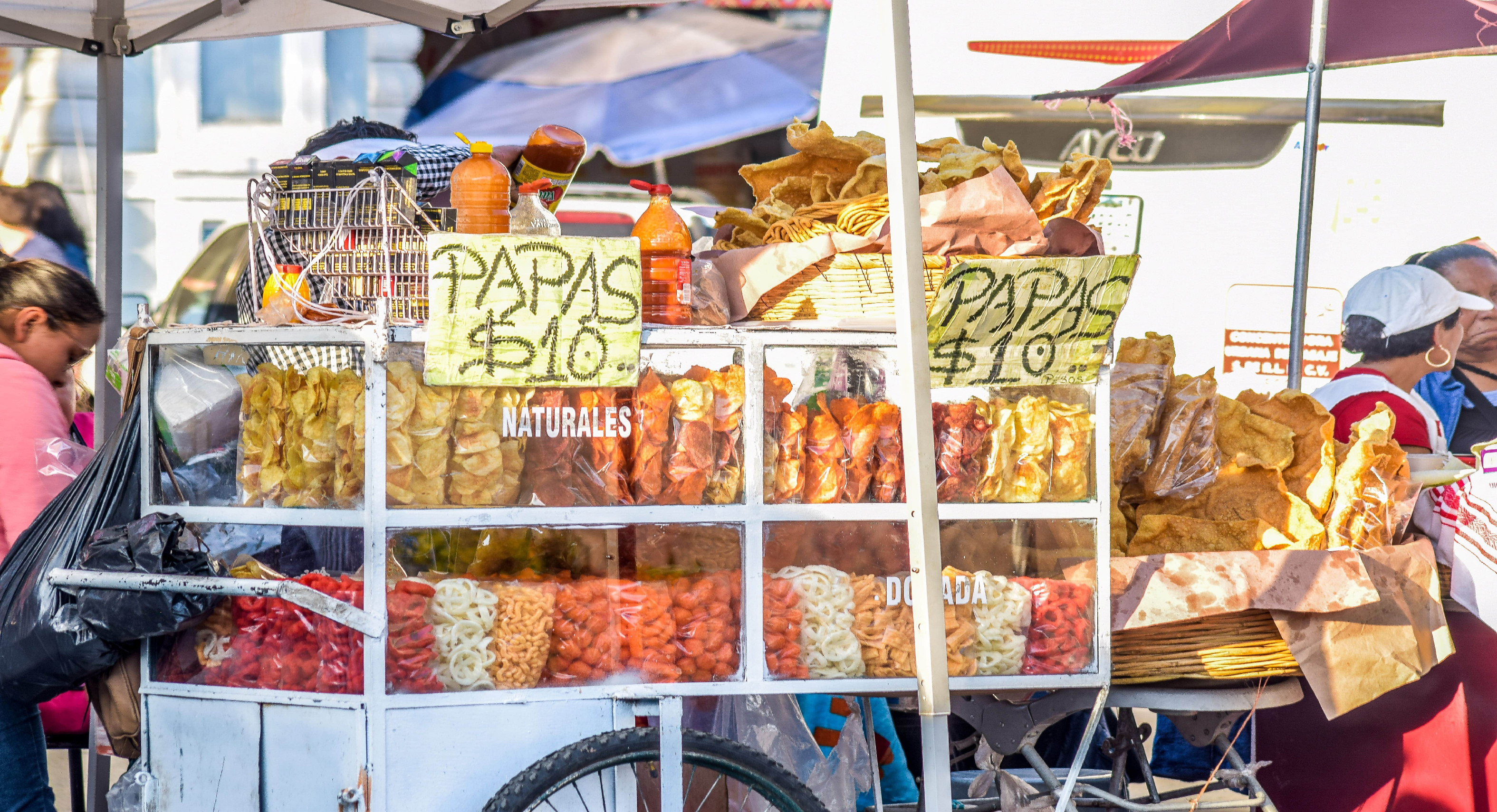 Pretenden limitar la venta de alimentos chatarra en el Estado de México