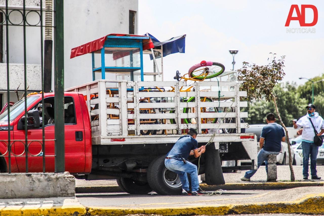ambulantes-confrontan-a-granaderos-por-desalojo-en-toluca-1604942