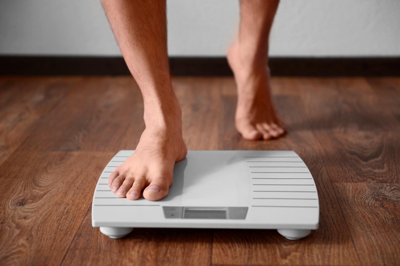Estudio revela que mexicanos aumentaron de peso en la cuarentena