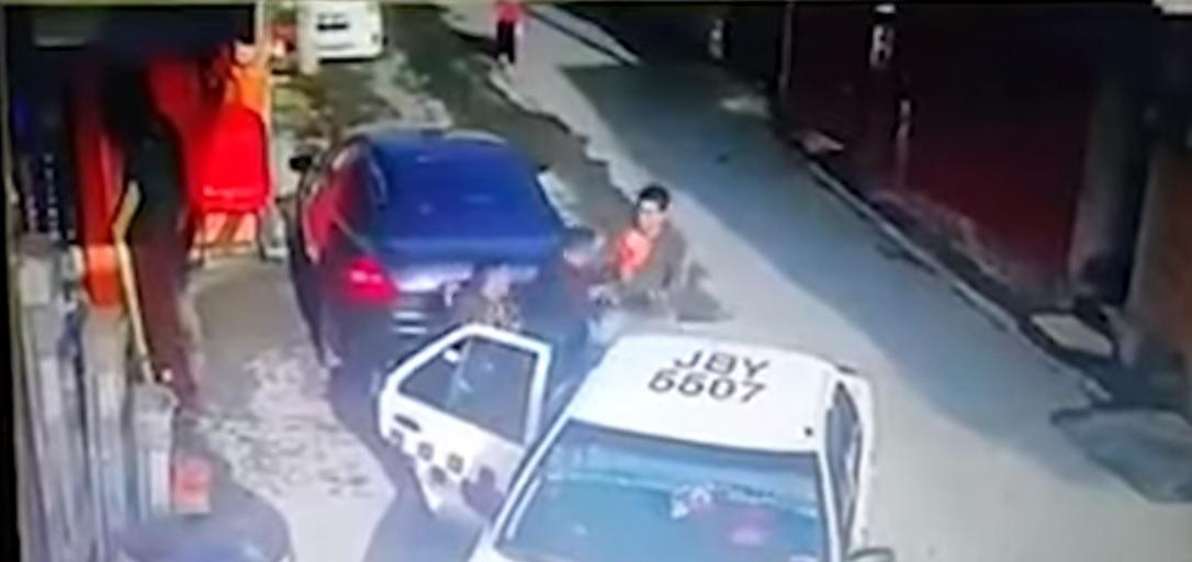 (Vídeo) Intento de secuestro de un joven en Calimaya