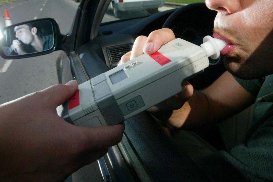 reportero-da-positivo-en-alcoholimetro-por-usar-gel-desinfectante2