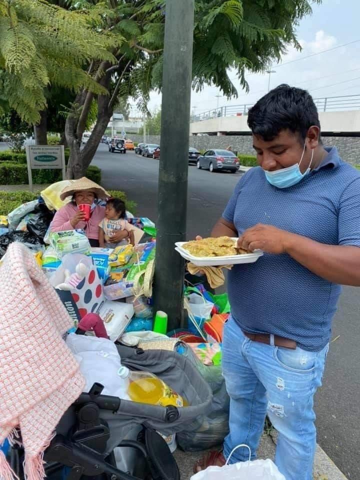 Artesano recibe donaciones ya que antes intercambiaba sus artesanías por víveres