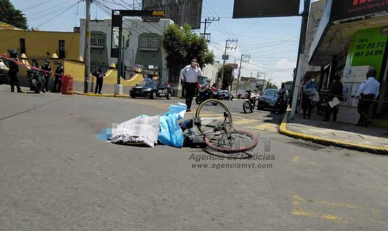 Camión de pasajeros deja sin vida a ciclista en Toluca
