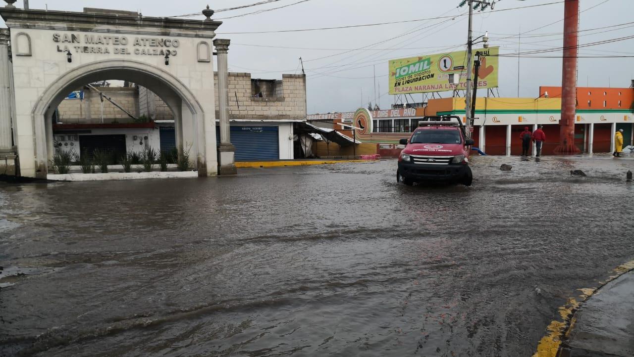 Fuertes-lluvias-inundan-calles-del-Valle-de-Toluca