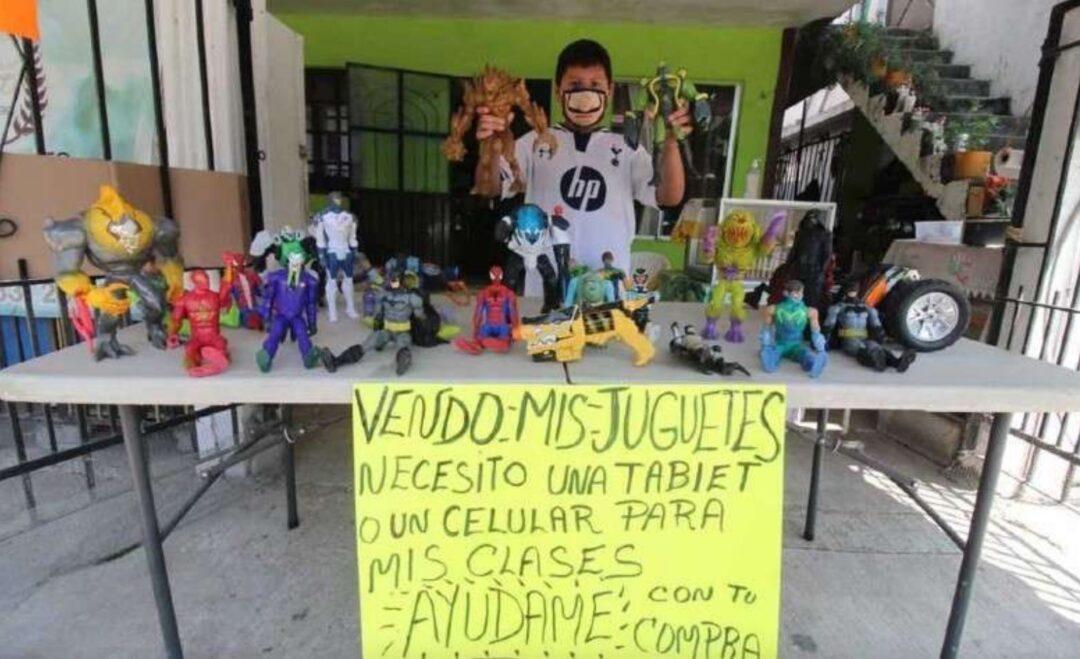 Nino-se-pone-a-vender-sus-juguetes-para-comprar-una-tablet