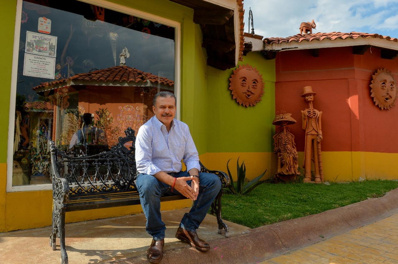Ublester Santiago: El objetivo es unir al gremio artesanal de Metepec y mejorar estrategias para exportación