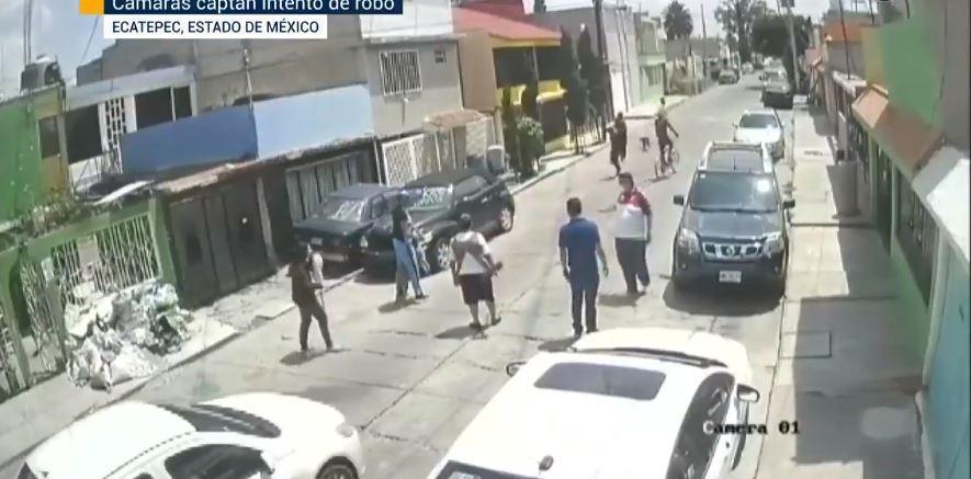 VIDEO || Vecinos mexiquenses frustran asalto con escoba