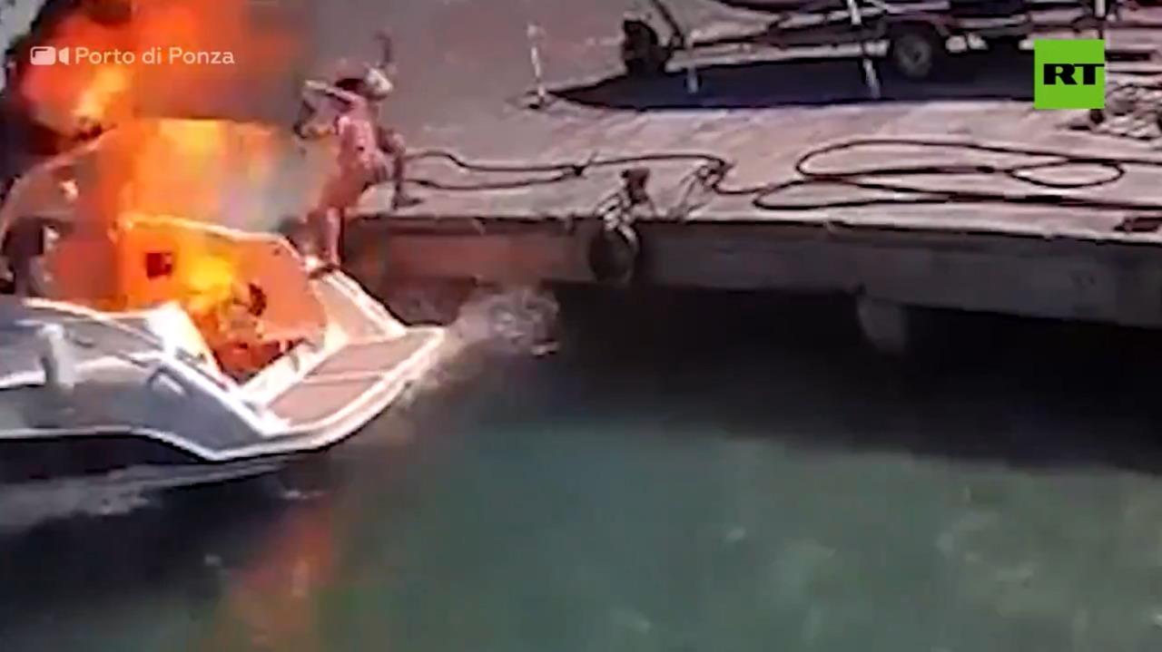 (VIDEO) Lancha explota y mujer sale volando por los aires