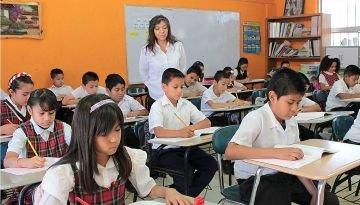 Gatell responde qué pasará con el regreso a las aulas de clase.