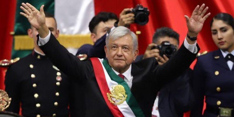 lanzan-amlo-volador-en-tultepec-para-celebrar-fiestas-patrias4