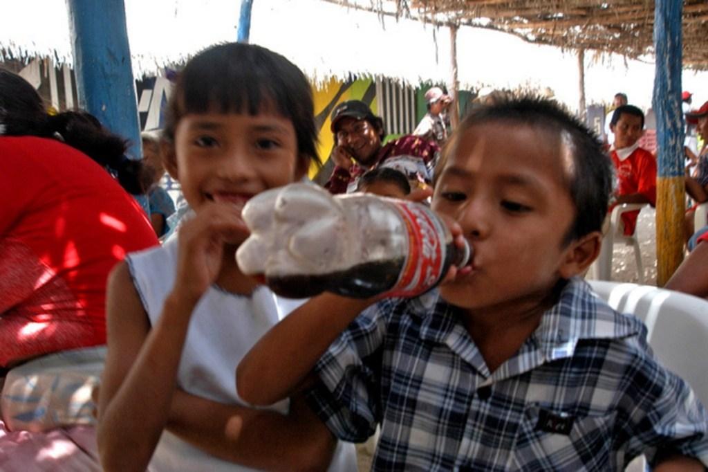 Aumenta el precio de los refrescos y bebidas azucaradas pero también aumenta el consumo.