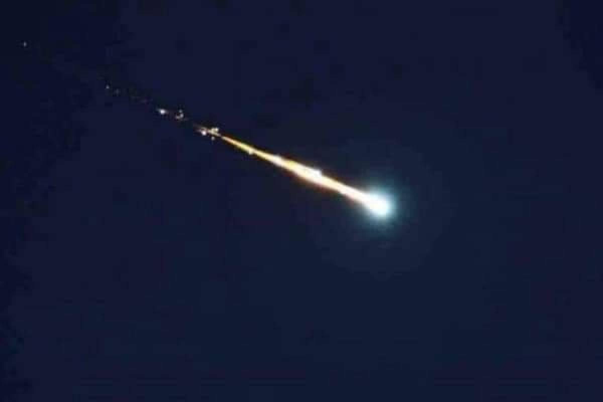 Usuarios-reportan-caida-de-meteorito-en-la-CDMX-y-Edomex