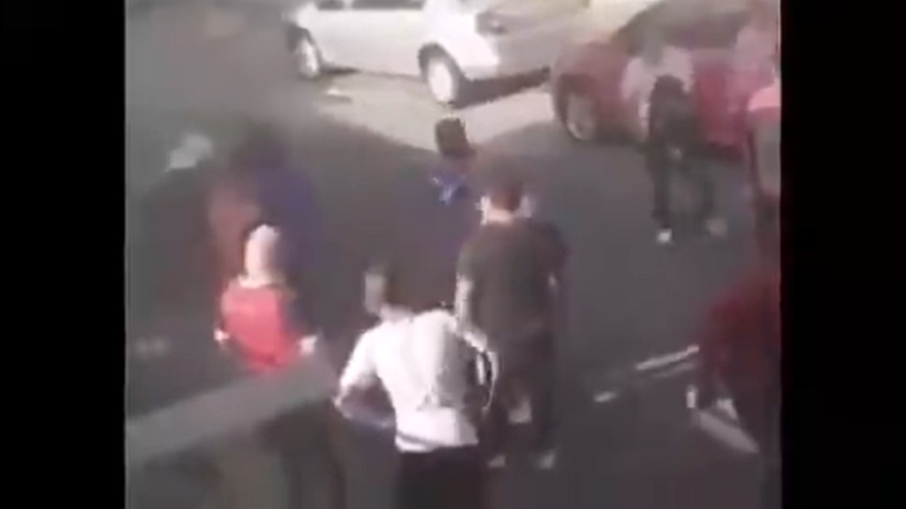 VIDEO || En Naucalpan es golpeado un asaltante de celulares
