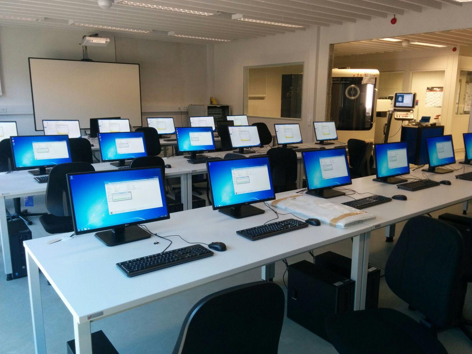 La UAEMex anunció que habilitará salas de cómputo para los alumnos que no cuenten con acceso a una computadora o a internet estable.