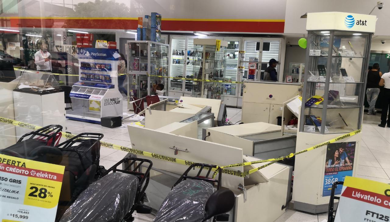Cinco ladrones son detenidos en Tecámac por asaltar un tienda