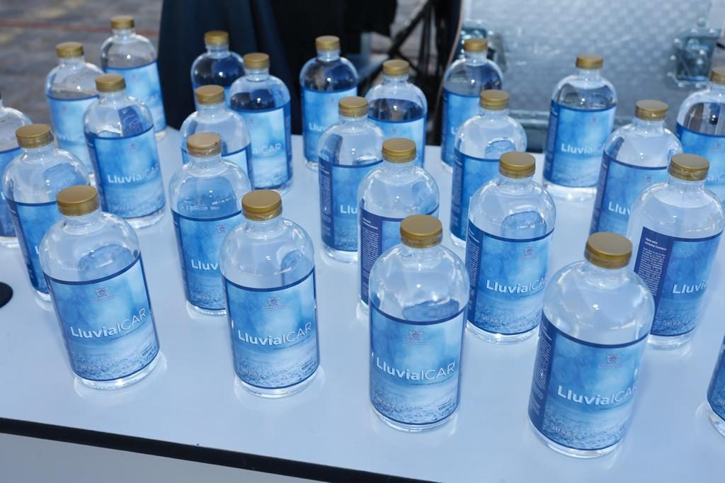 UAEMex crea agua embotellada LluviaICAR a partir de la lluvia
