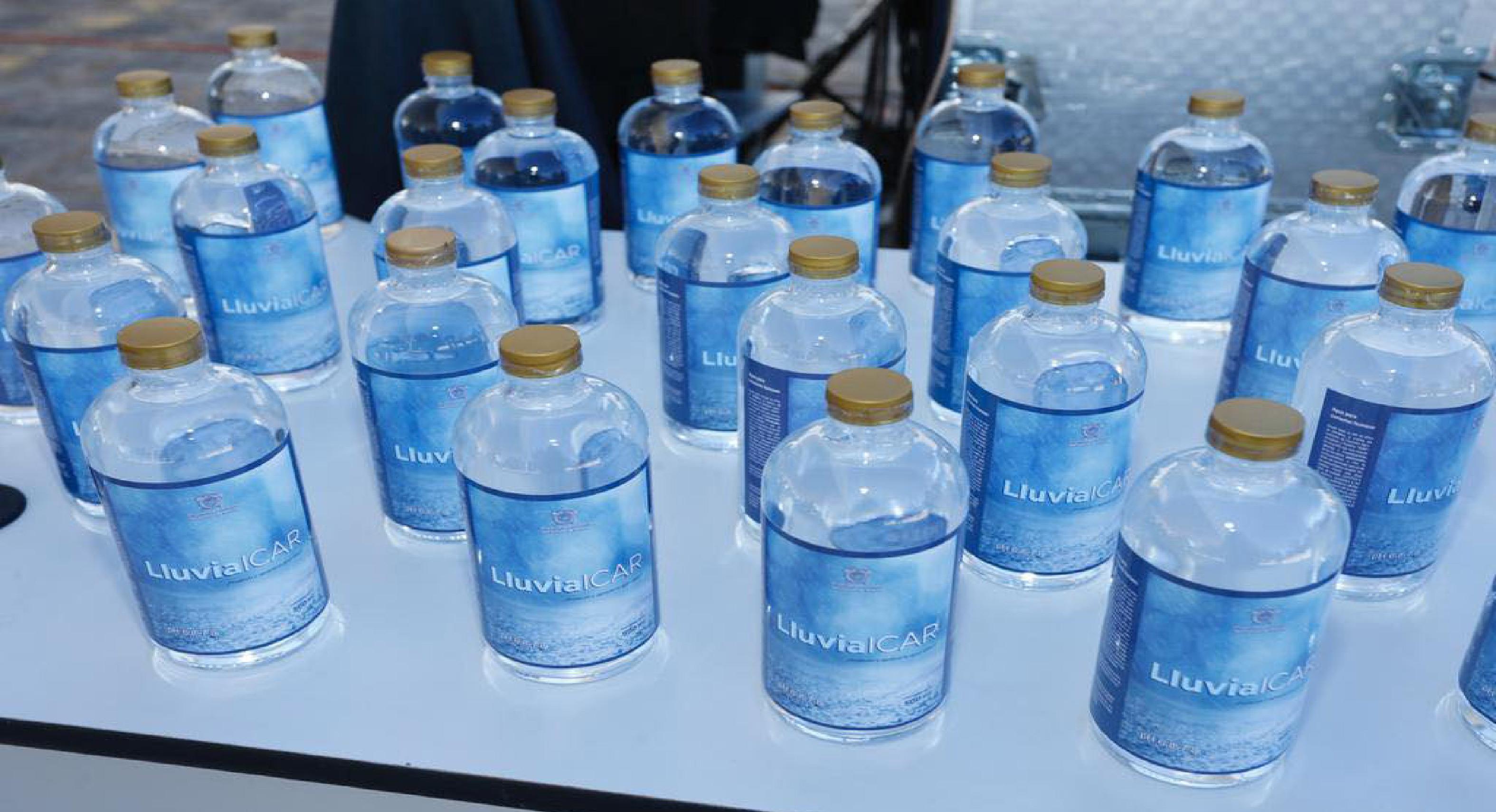 UAEMex embotella agua de lluvia para consumo humano