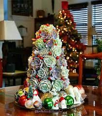 conoce-la-nueva-tendencia-de-arboles-de-navidad-con-suculentas6