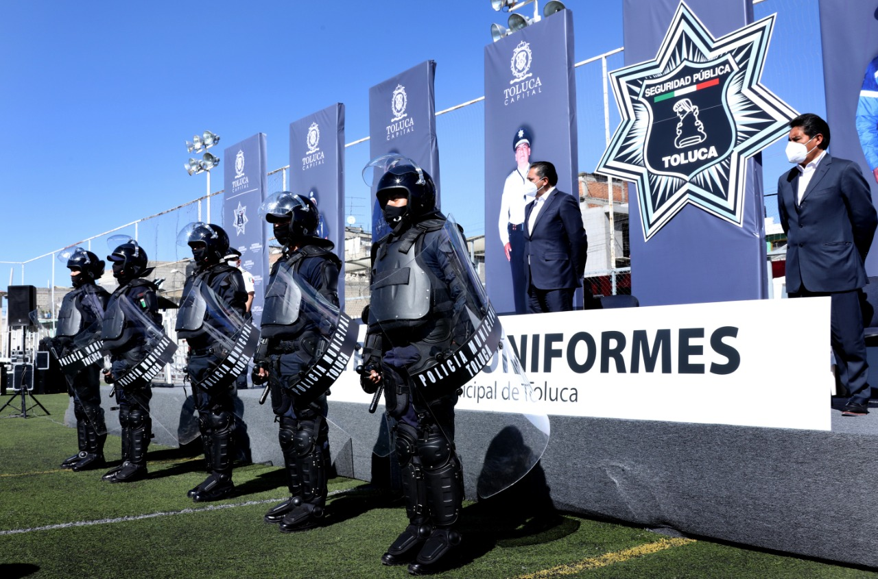 Continua Toluca equipando a elementos de Seguridad Pública