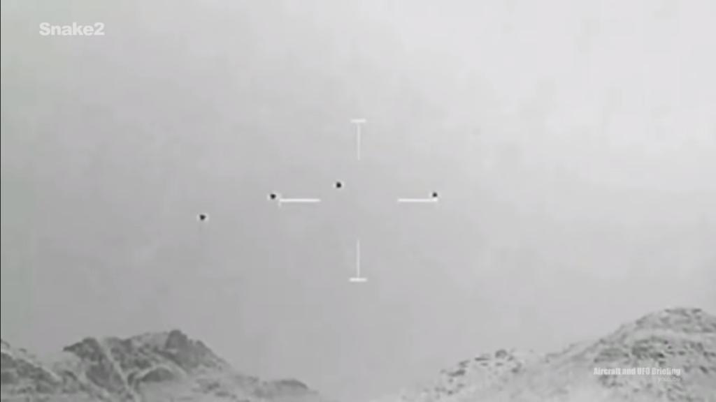 (Video) Filtran video de ataque a cuatro supuestos Ovnis en Afganistán