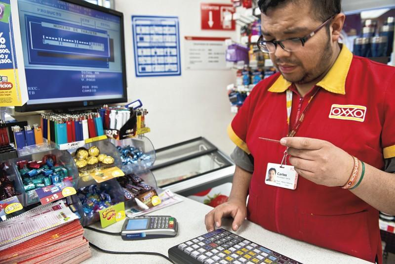 diputado-pide-que-cajeros-de-tiendas-de-autoservicio-ganen-14-mil-pesos