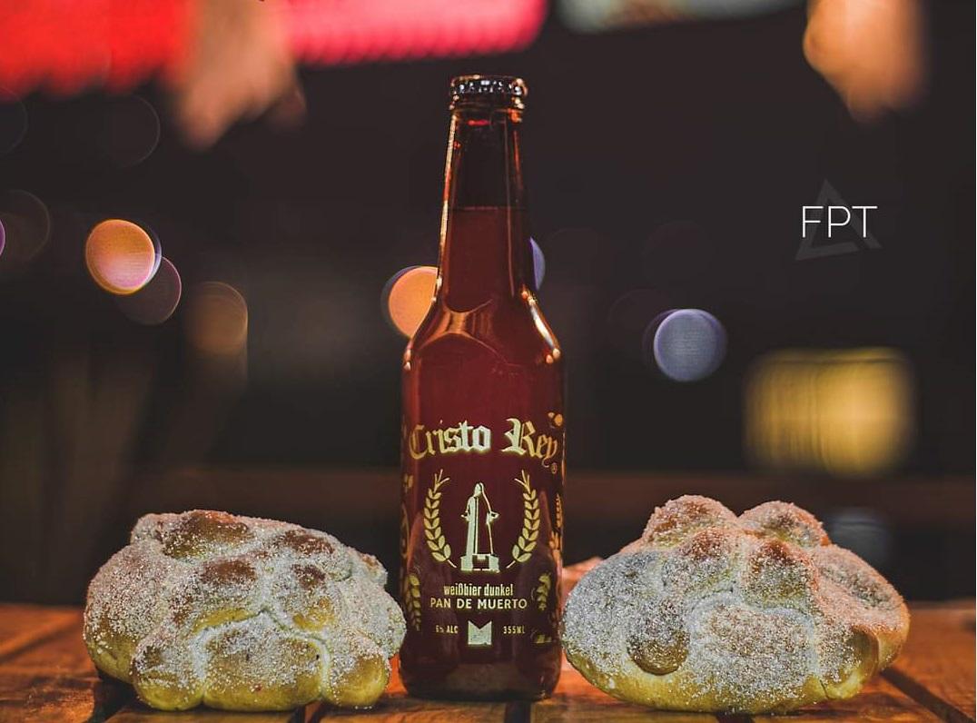 Lanzan cerveza artesanal sabor pan de muerto en Tenancingo