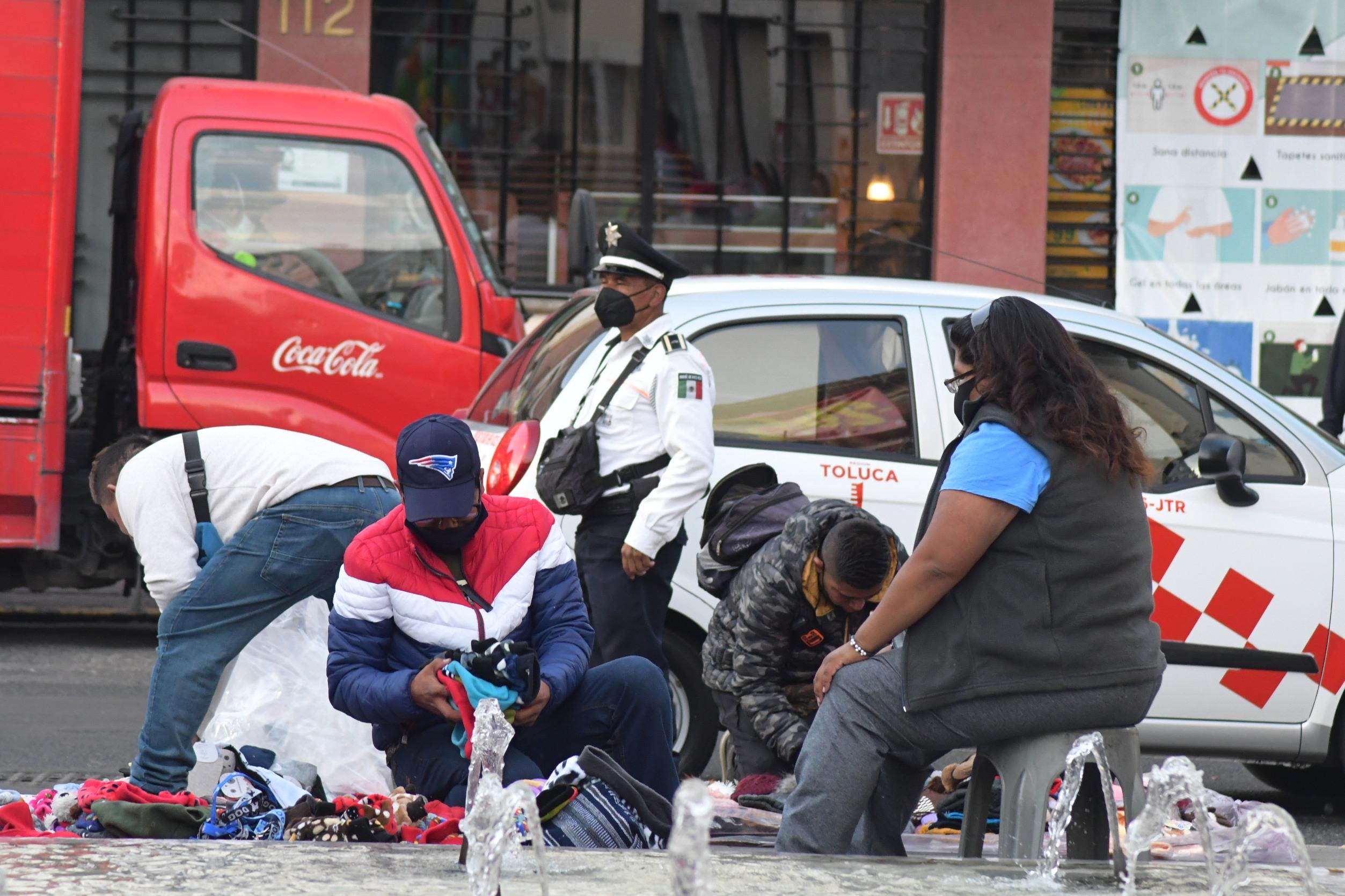Toluca: Realizan operativos para retirar ambulantes