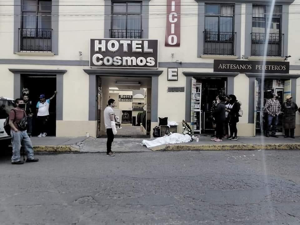 Mujer-perdio-la-vida-en-centro-de-Toluca-Ignoran-el-cuerpo-por-seis-horas