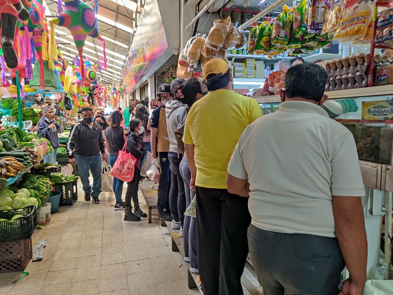 decenas-de-personas-abarrotam-el-mercado-16-de-septiembre-toluca