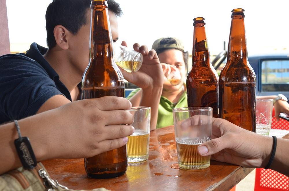 Se restringe la venta de bebidas alcohólicas a partir de las 17:00 hrs