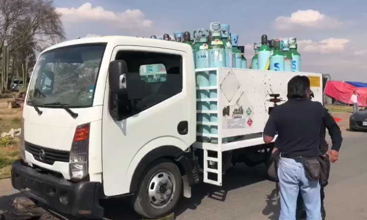 Camión con tanques de oxígeno son robados en el EDOMEX