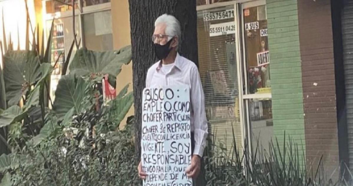abuelito-recorre-calles-de-cdmx-en-busca-de-trabajo