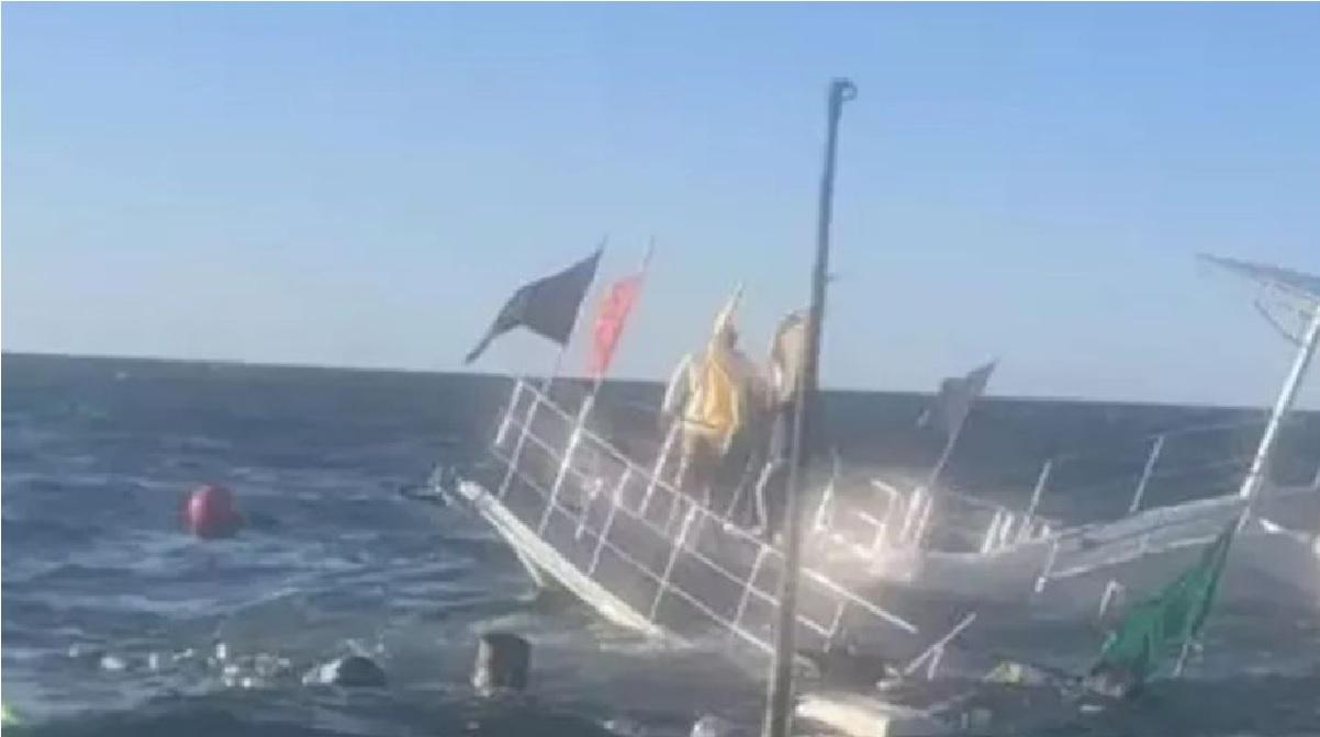 barco-se-hunde-con-60-pasajeros-en-puerto-vallarta