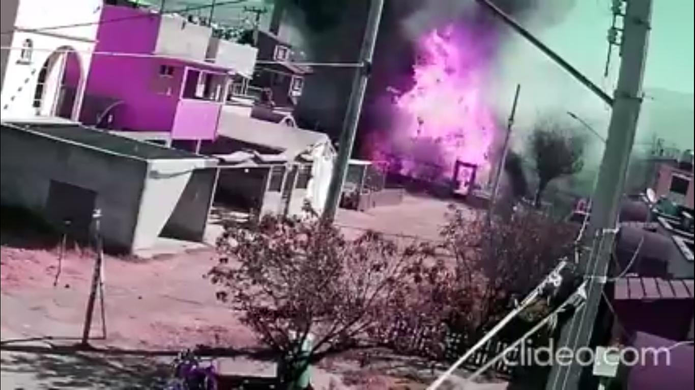 Video ll Captan incendio provocado por fuga en pipa de gas en Edomex