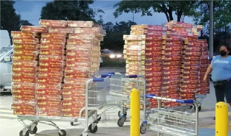 lady-rosca-mujer-compra-300-roscas