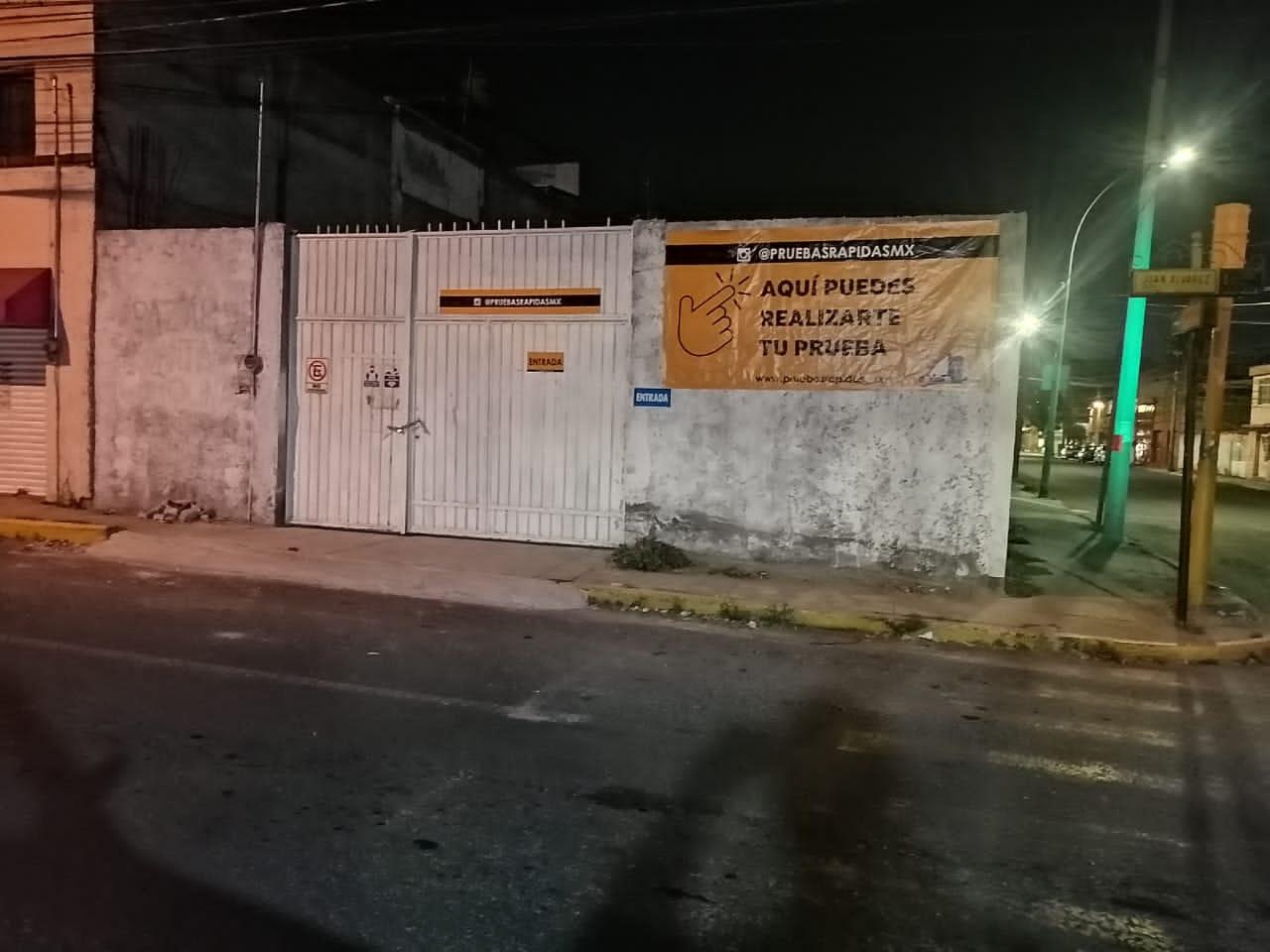 Módulo de pruebas Covid causa molestia en vecinos de Toluca