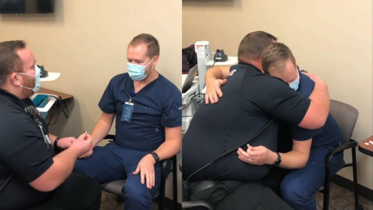 paramedico-le-pide-matrimonio-a-enfermero-luego-de-vacuna-contra-covid