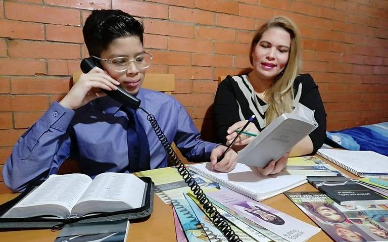 Testigos de Jehová ahora operan vía telefónica || Viral