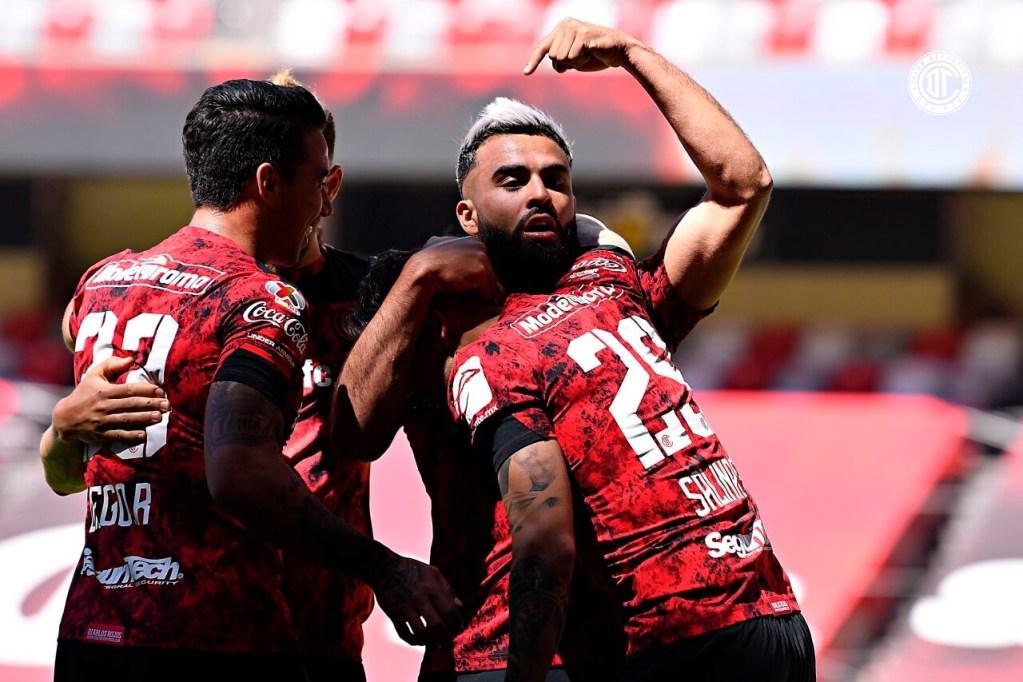 Rubens Sambueza 400 partidos de entrega y amor por el futbol mexicano