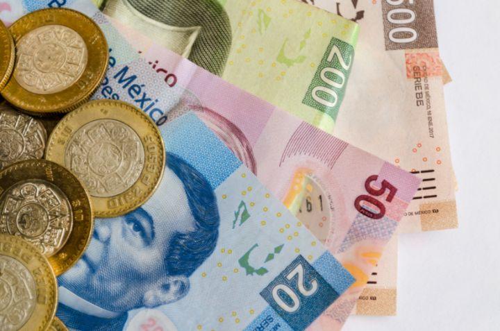 te damos unos simples consejos para ahorrar en un año 14 mil pesos, teniendo un sueldo base de 6 mil pesos mensuales.