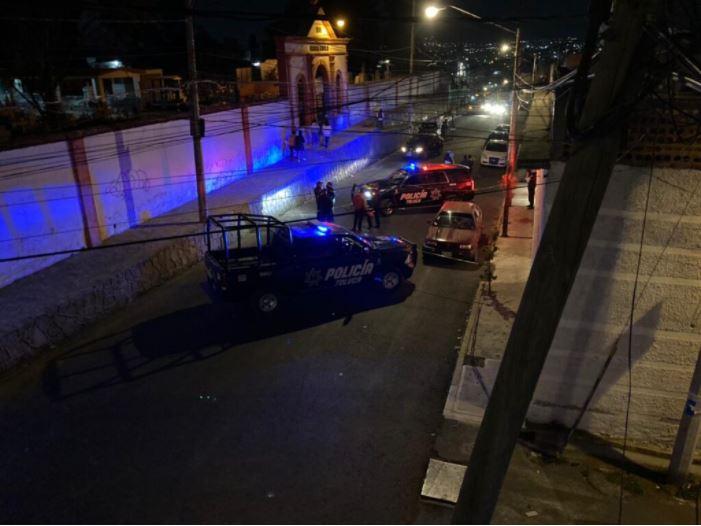 Toluca: Hombre fallece mientras esperaba a familiares que habían ido al médico