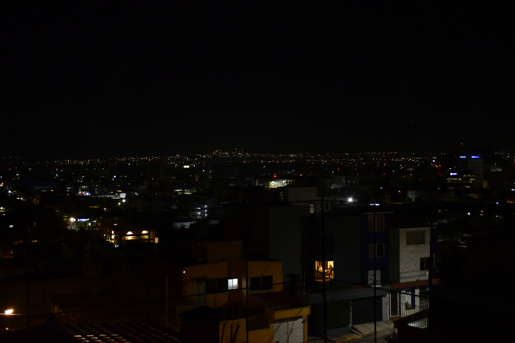 Valle de Toluca: Habitantes reportan apagones de luz
