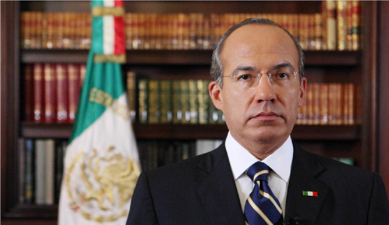 El ex presidente de México, Felipe Calderón ha sido denunciado ante la Fiscalía General de la República (FGR) por los supuestos delitos de traición a la patria y financiamiento del terrorismo en México.