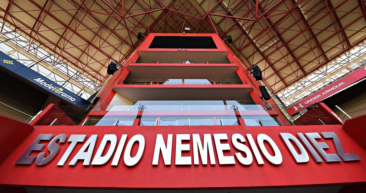 El Estadio Nemesio Diez fue habilitado como 1 de los 4 módulos de vacunación en Toluca