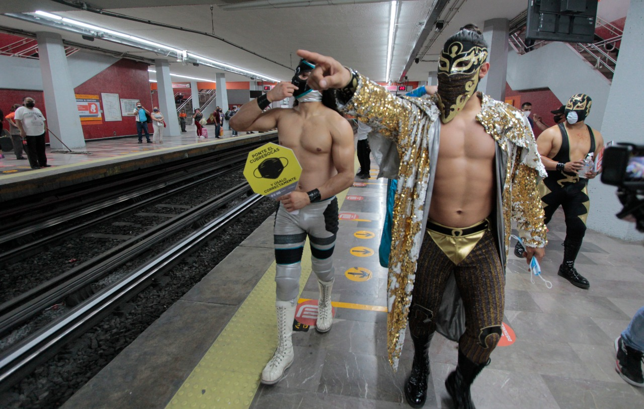 Luchadores profesionales