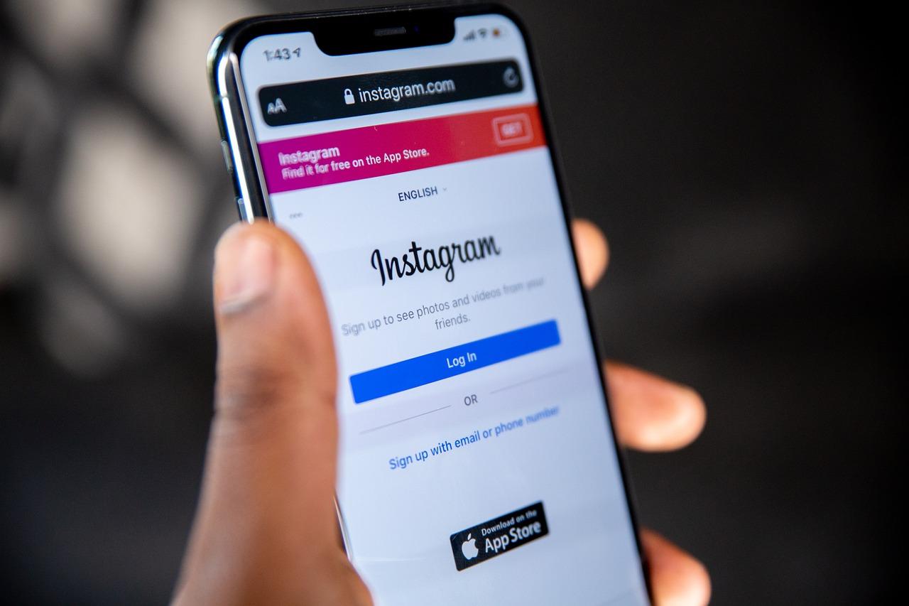 En Instagram, el usuario o usuaria pueda elegir ver menos anuncios de ciertos temas