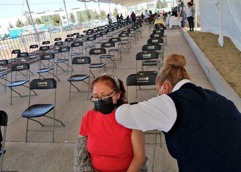 La Coordinación General de Protección Civil del Estado de México registró poco tiempo de espera en los módulos de vacunación de Toluca